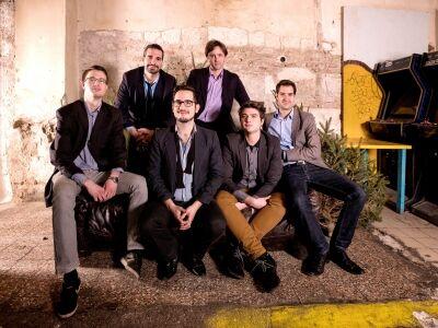 A Kobuci Kertbe is elviszi a Lóci Játszik a Veszprémi Utcazene Fesztivál hangulatát