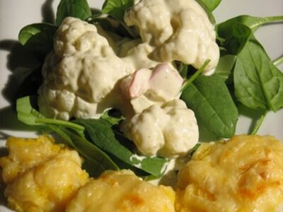 Sajtos polenta karfiollal (vegetáriánus recept)