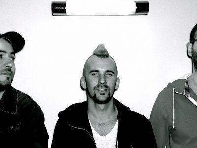 Megjelent az Óriás negyedik nagylemeze, a Minden villany ég