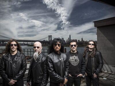 Júniusban ismét Anthrax: szabadtéren dupláz a thrash brigád