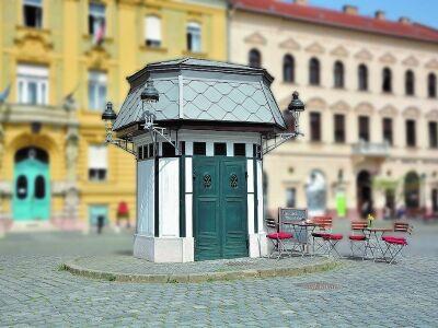 Kávé és kikapcsolódás Budapest legkisebb kávézójában