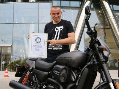 A Harley-Davidson Street Rod világcsúcsot égetett az aszfaltba
