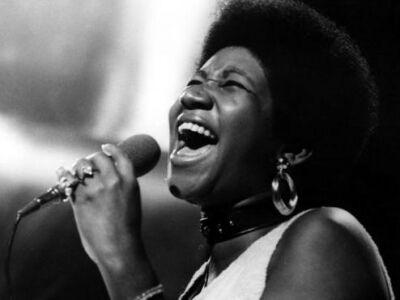 Harlem Gospel Choir sings Aretha Franklin