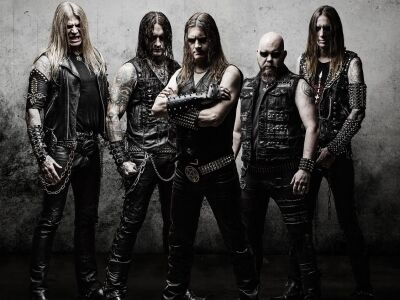 A svéd black-deathmetál legenda új lemezét adja elő