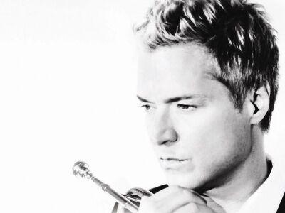 Újra Budapesten koncertezik Chris Botti!