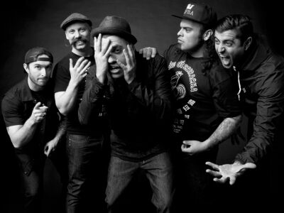 A BillyBio társaságában jön a Death By Stereo
