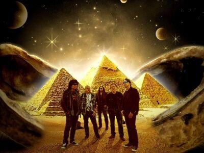 """""""Sok munka lenne rendbe tenni a fejekben, hogy két Piramis van.."""""""