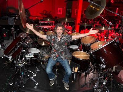 Koncerttel ünnepli a 30 éves Protocol albumot Simon Phillips