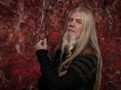 Először és talán utoljára érkezik szólóban Budapestre a Nightwish basszusgitárosa