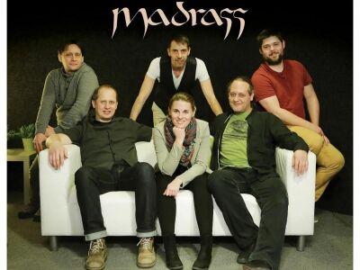 Északról Délnek: új dalokkal jelentkezik a Madrass