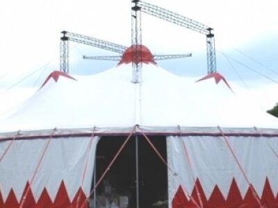 Színház, Cirkusz, Stand-up, Jazz - Porondszínház a Szigeten