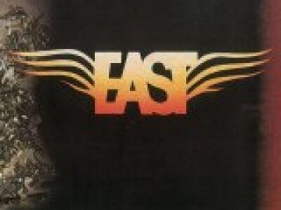 Visszatér az East
