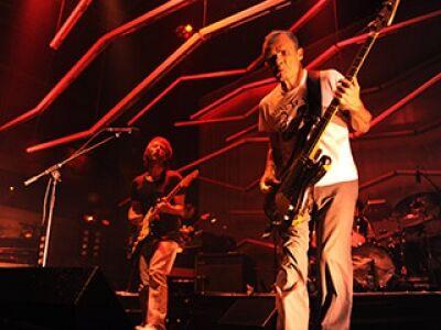 Flea (RHCP) és Thom Yorke (Radiohead) közös supergroupja a Pohodán