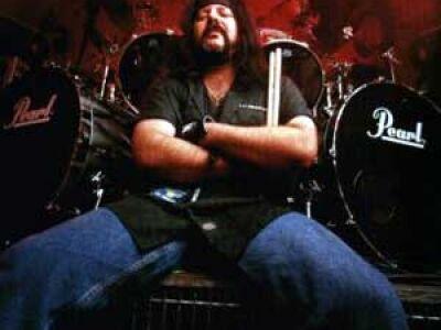 Vinnie Paul továbbra sem hajlandó nyitni Anselmo felé