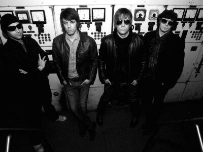 Skandináv rocklegenda penget az új Trousers-lemezen
