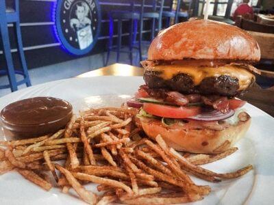 Selfie Grill&Bar - Selfie burger és a titokzatos Selfie szósz