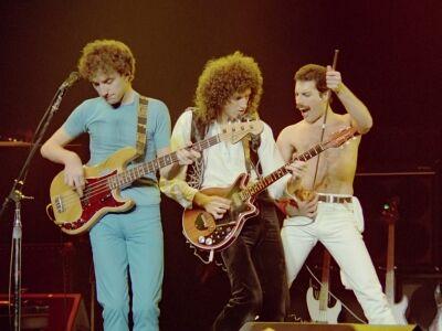 Queen-, Led Zeppelin-, Doors- és Hendrix-koncertfilmek az Urániában