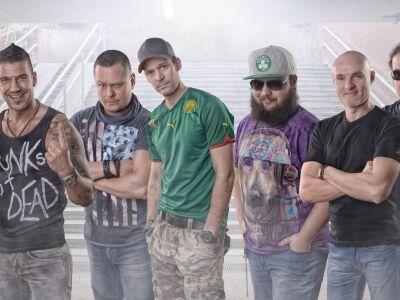 Ocho Macho - Itt a Punk című 4 számos EP