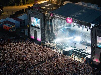 Jubiláló zenekarokkal indul holnap a VOLT Fesztivál