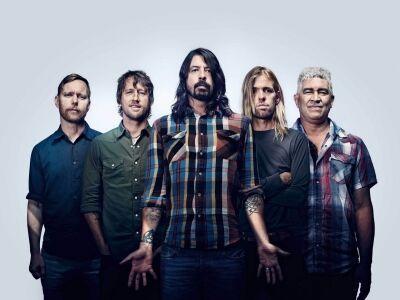 Folytatja turnéját a Foo Fighters - Szombaton blueslegendákkal ünnepelnek