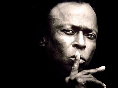 24 éve halt meg Miles Davis