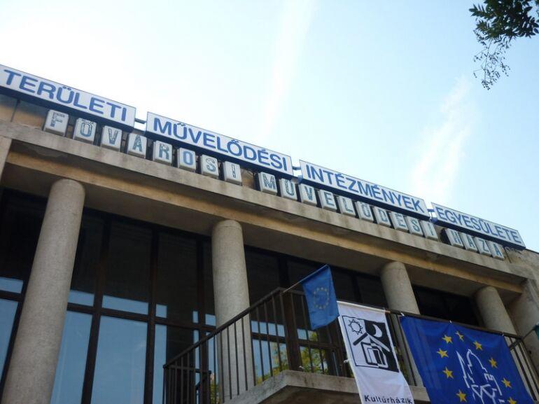 Emléktábla az FMH tiszteletére - NKA Cseh Tamás Program