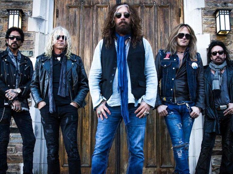 új lemezzel tér vissza az all-star rockbanda