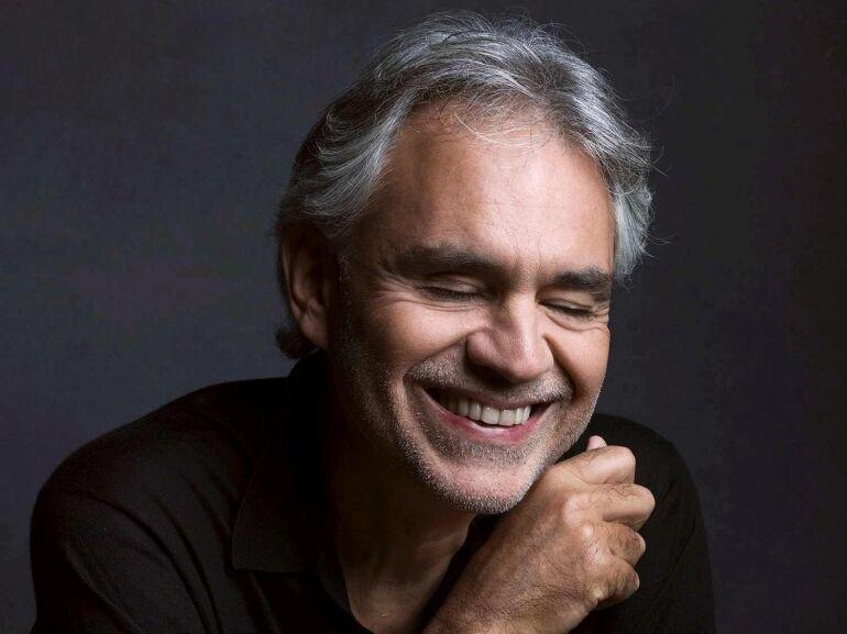 Napjaink legnépszerűbb tenorja újra Budapesten