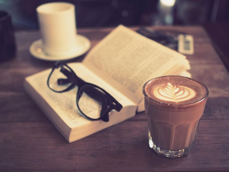 Egy kávé, egy novella