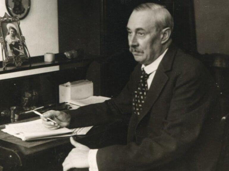 Krúdy Gyula a Margitszigeten