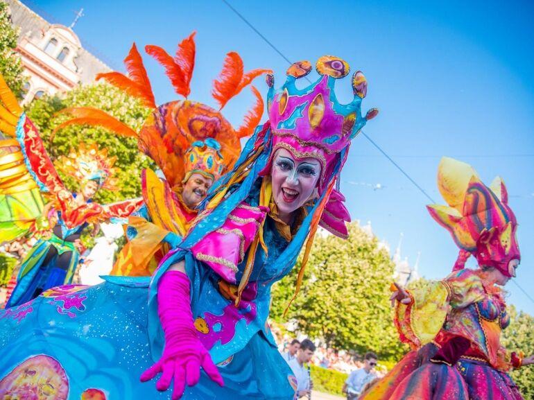 Fesztivál vagy karnevál?