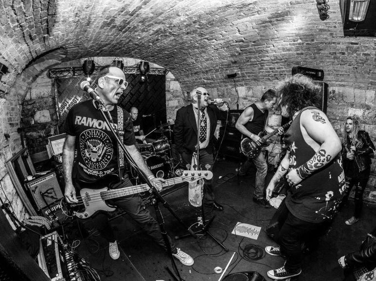 A punk nem halt meg, csak megöregedett