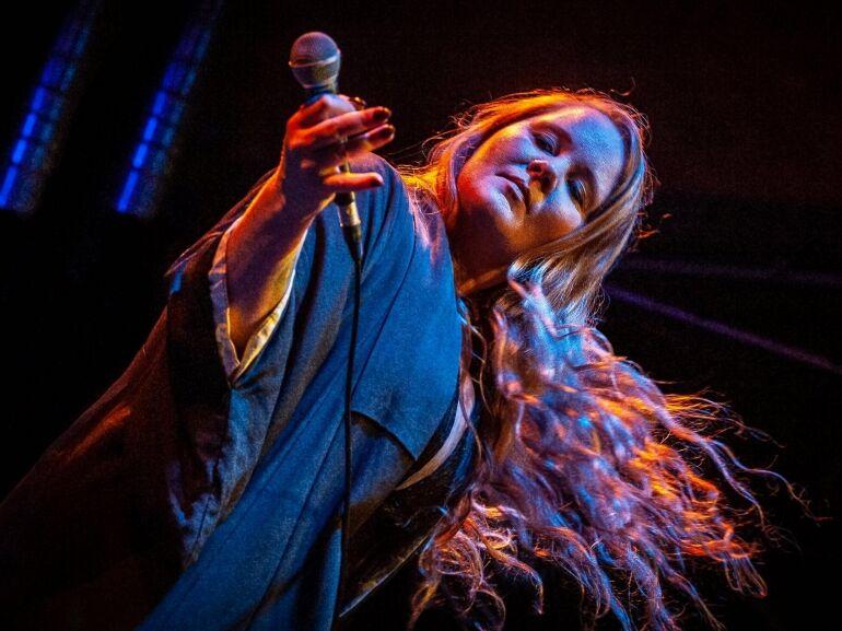 Layla Zoe legjobb blues-rock dalai élő csokorba szedve