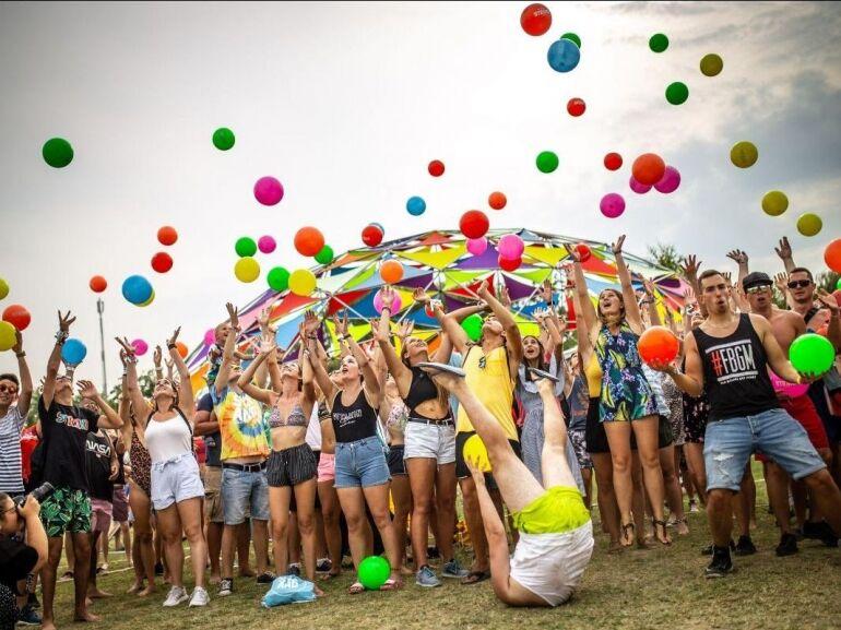 Újabb világsztárokkal erősít a STRAND Fesztivál!