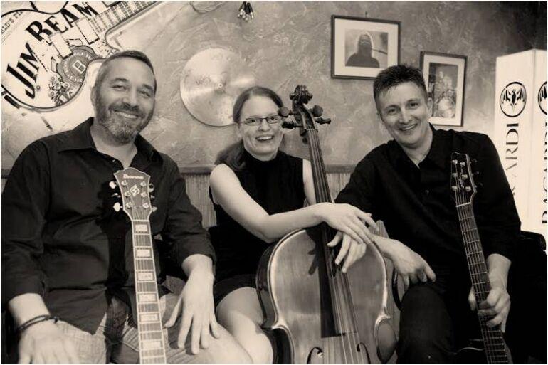 Square - Akusztikus trió Debrecenből